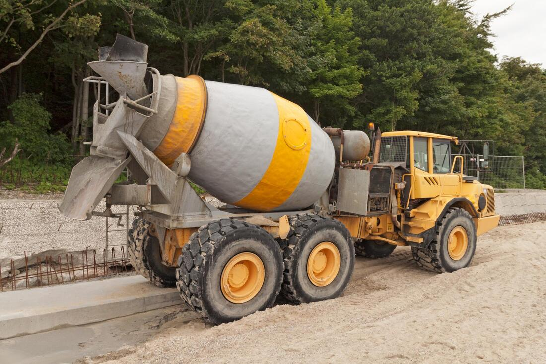 concrete rotating truck during work